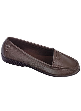 Main Bella Leather Penny Loafer