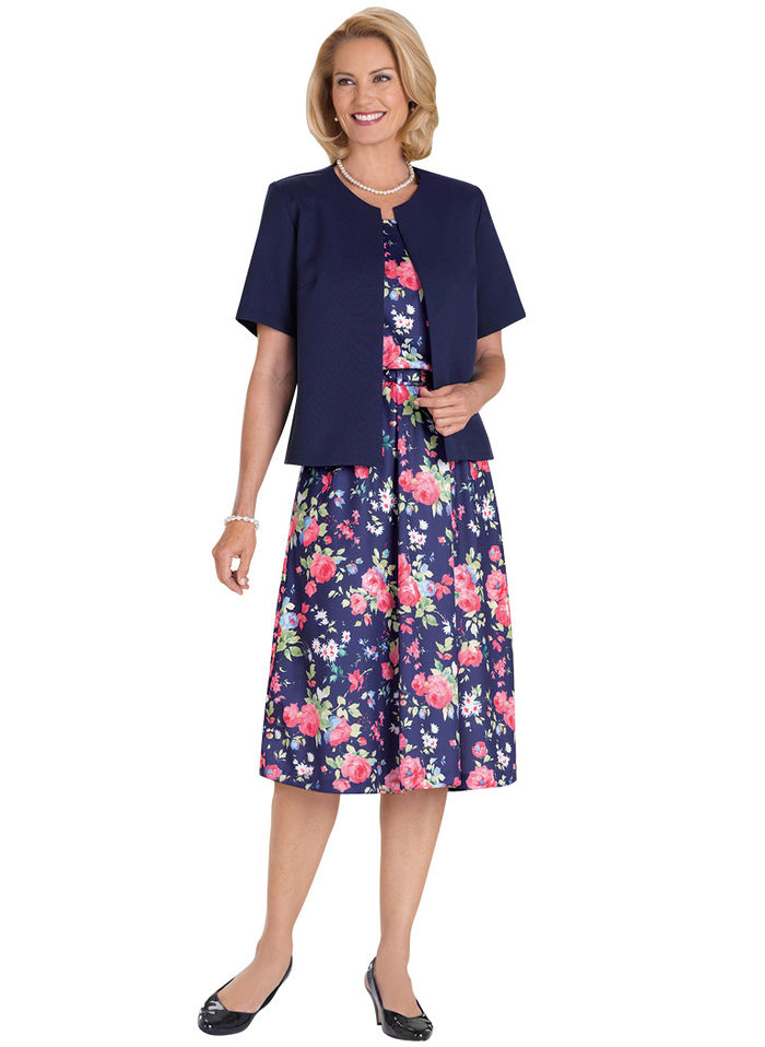 Enjoy quality, fashionable women's clothing from Kohl's. Whether you're just looking to refresh your wardrobe, add some special pieces or overhaul it completely, Kohl's has the women's clothing that will add something special to any wardrobe.