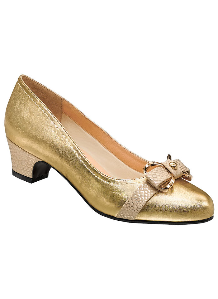 Sofwear® by Beacon® Josephine Metallic Bow Pump